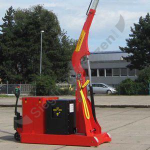 Elektrobull HB2000GKBRP mit hoch aufgestelltem und ausgezogenem Ausleger